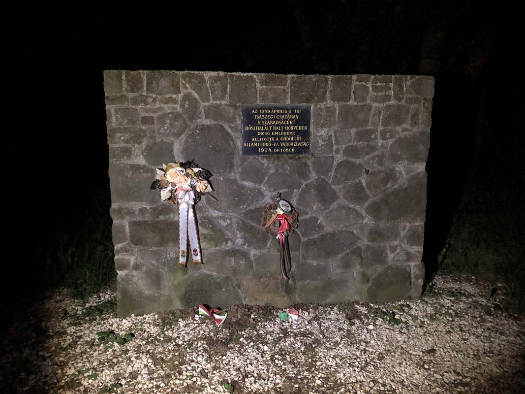 Isaszegi csata emlékmű
